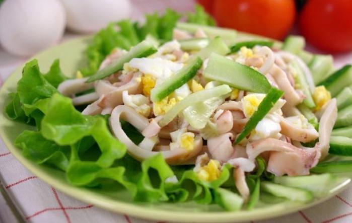 Салат с кальмаром яйцом свежим огурцом рецепты
