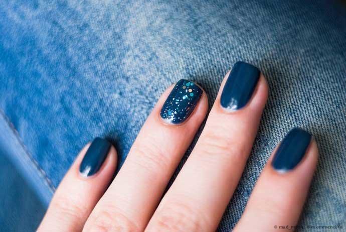 Темно синие короткие ногти