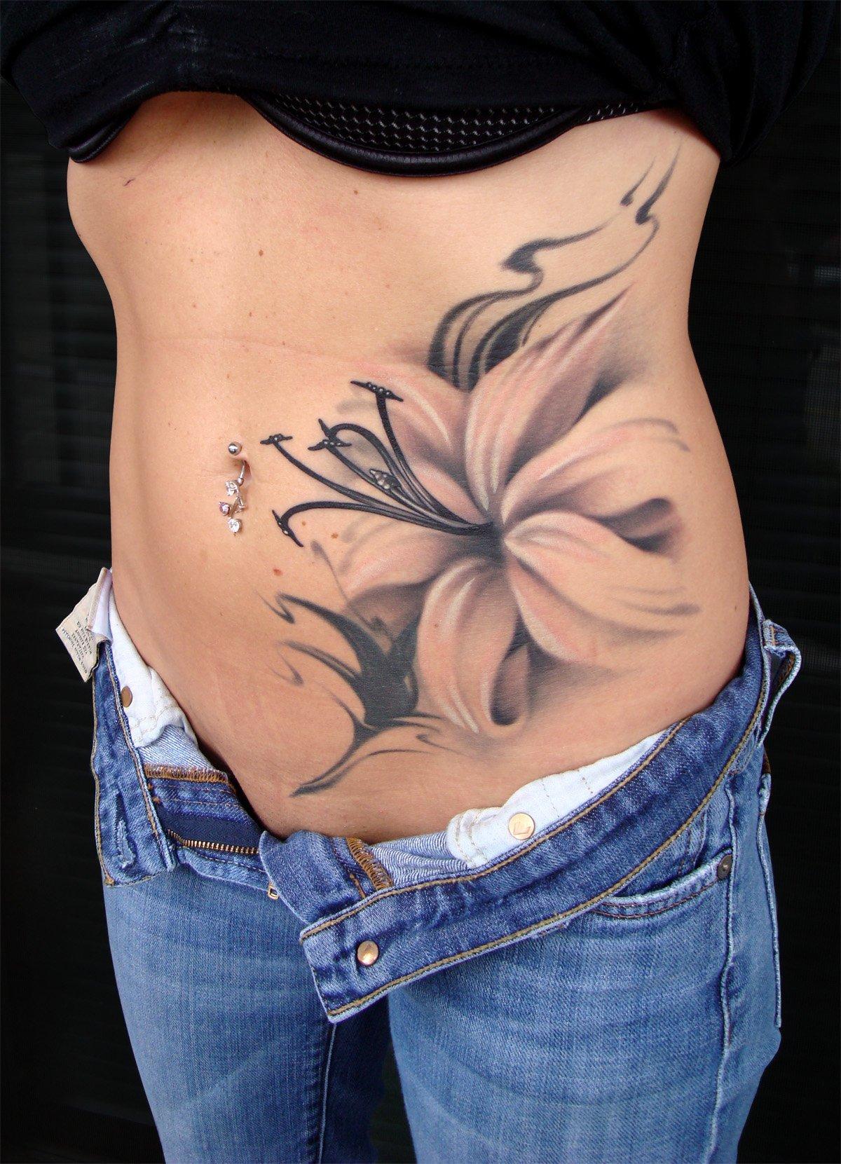 Татуировка на живот фото