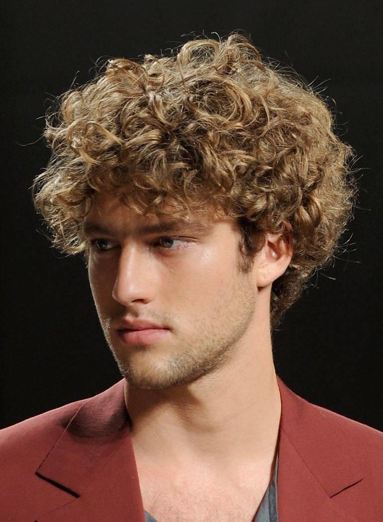 Мужские прически для кудрявый волос