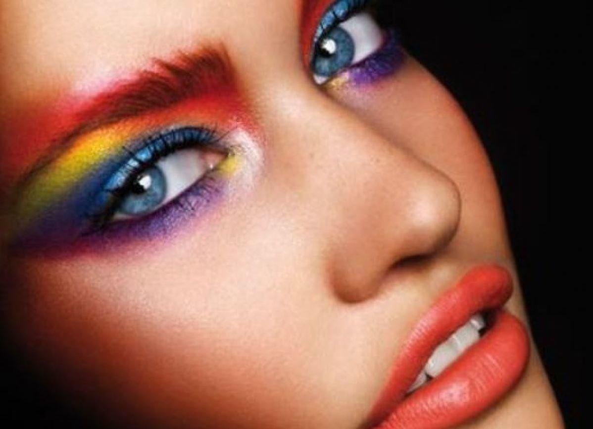 Яркий модный макияж фото