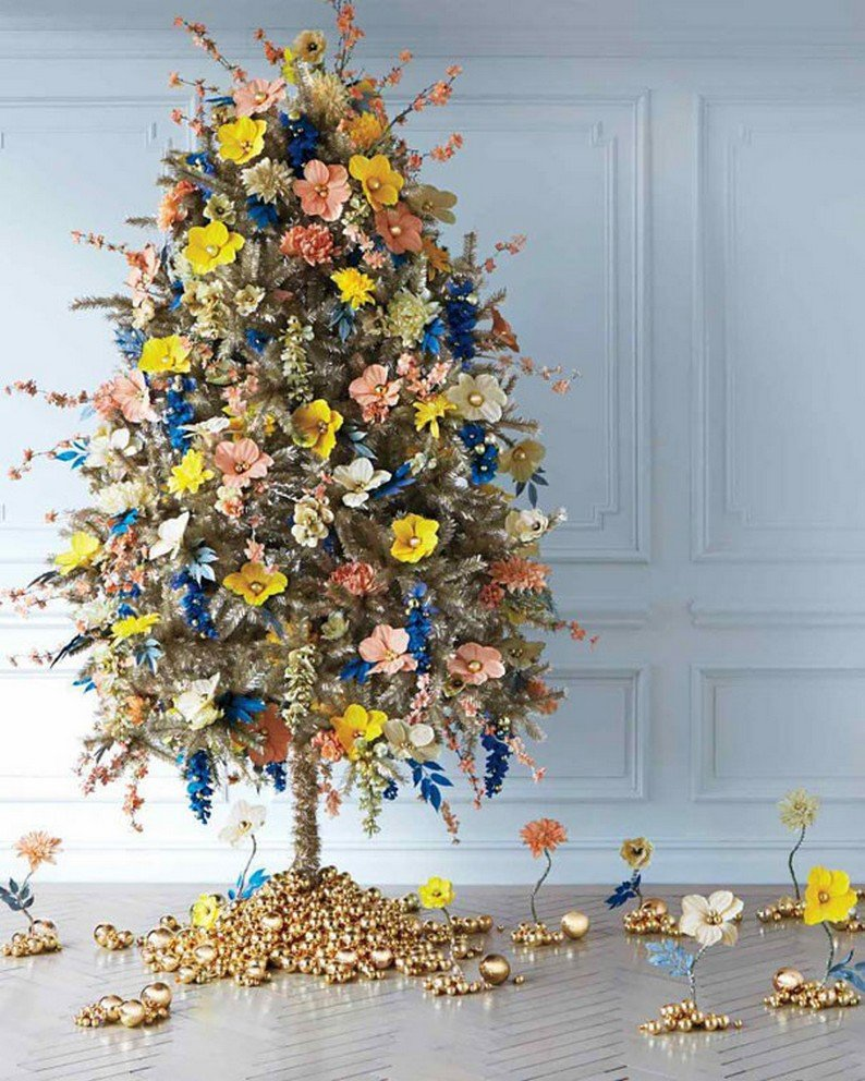 Украсить елку цветами своими руками