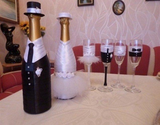 Оформление на свадьбу шампанского и бокалов