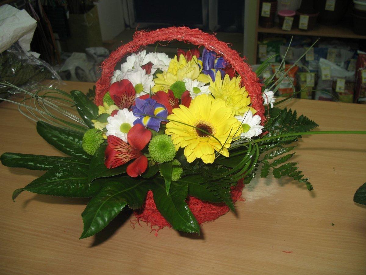 Как сделать корзины с живыми цветами