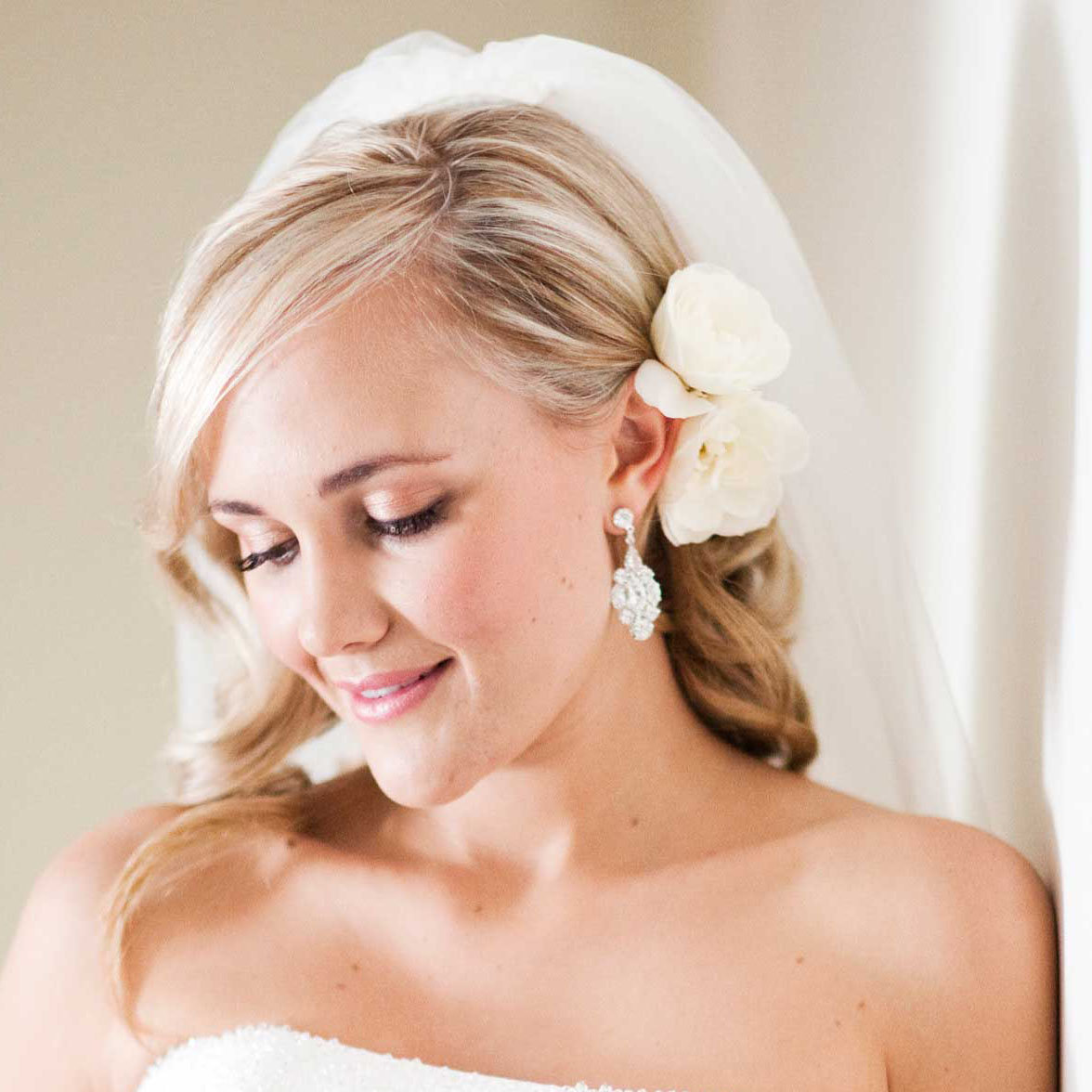 Прическа для свадьбы фото легкие