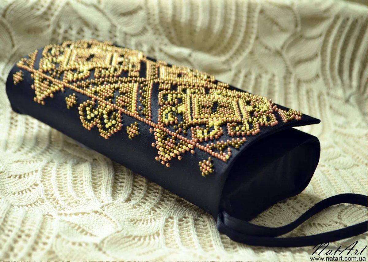 Сумка-клатч с вышивкой бисером 746