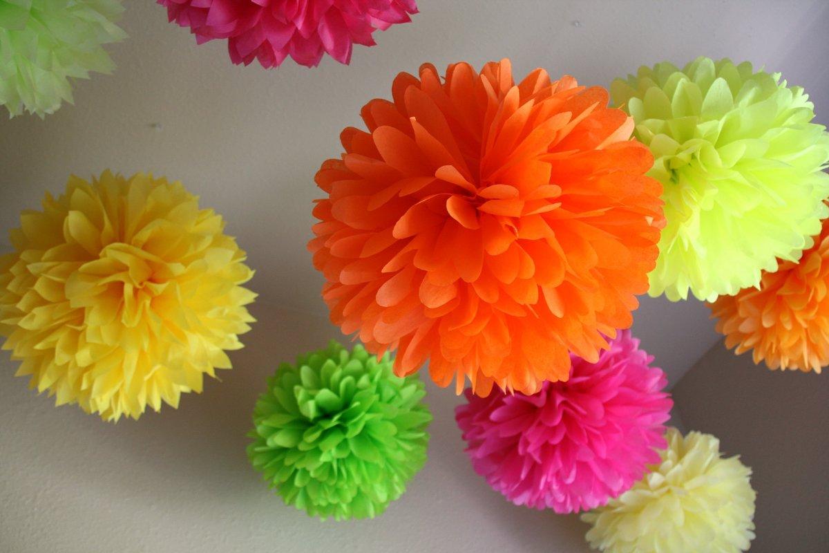 Цветочные шары из цветной бумаги своими руками 54