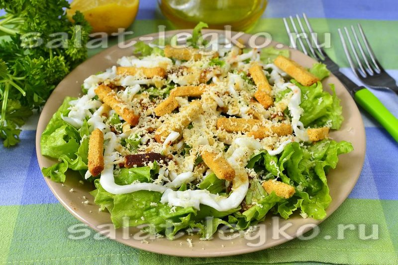 Новый салат с кальмарами с