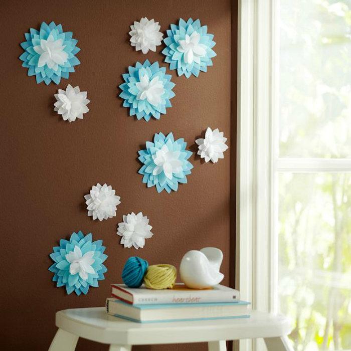 Цветы из бумаги для украшения стен своими руками 779