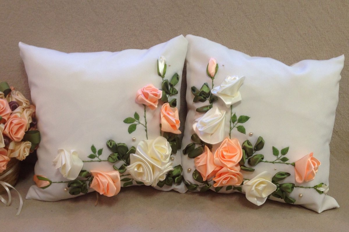 Вышивка атласными лентами декоративные подушки 35