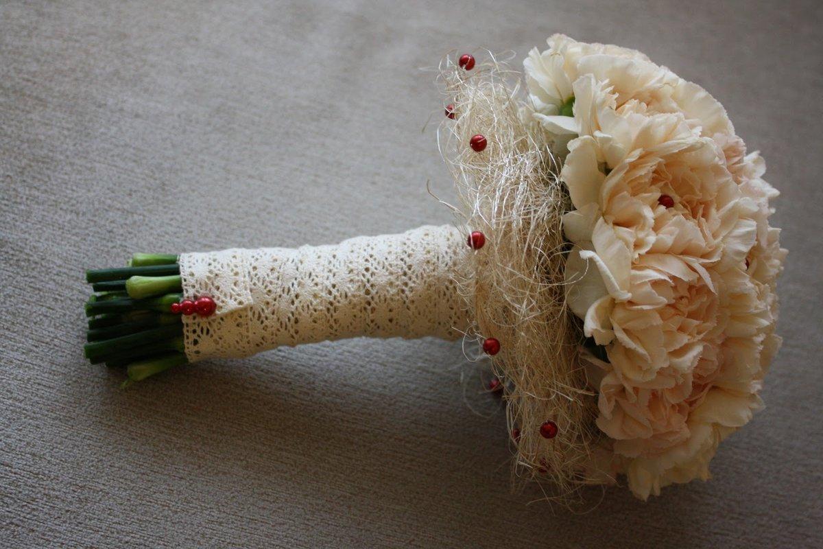 Свадебный букет из гвоздик - значение и символика 97