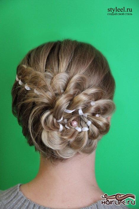 Прически с плетением вечерние на средние волосы