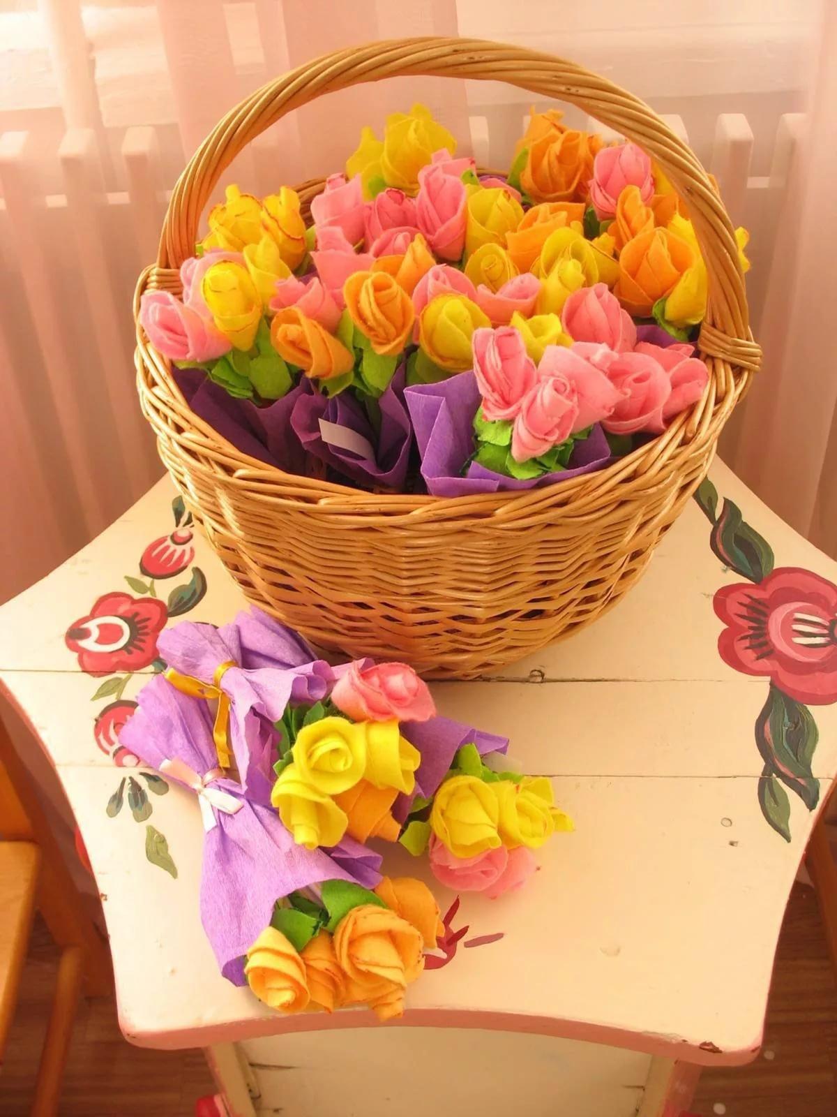 Корзины с бумажными цветами своими руками