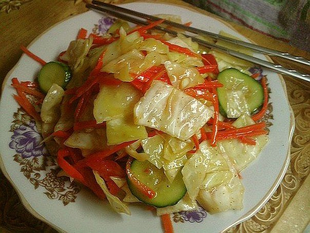 Корейский салат с капустой и морковью с