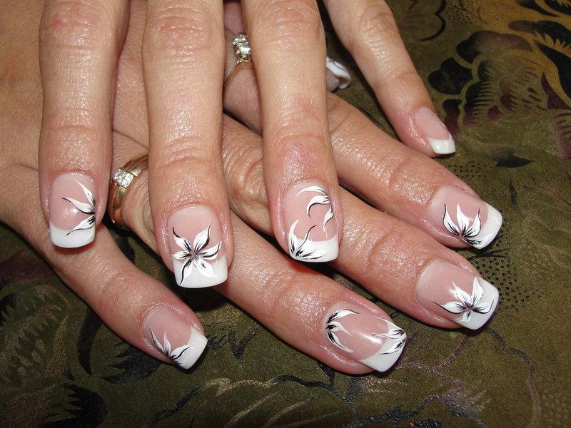 Рисунки ногтях фото французский маникюр