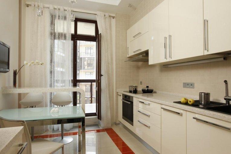 Интерьеры кухни фото 9 кв с балконом