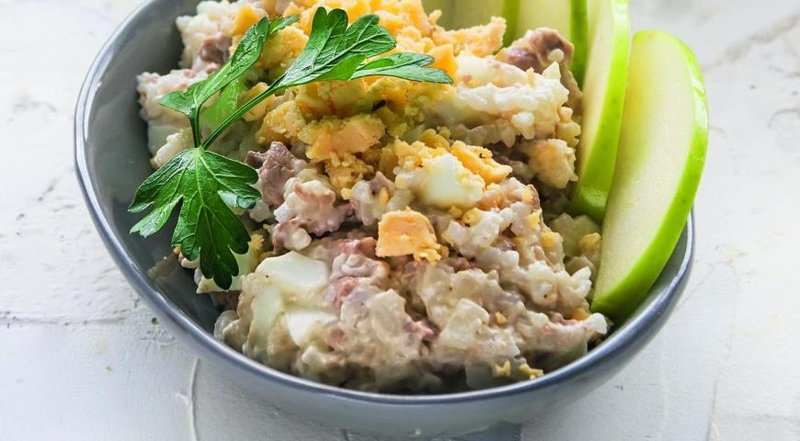 Салат с печенью трески и рисом рецепт с фото