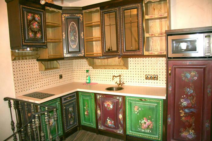 Кухня с росписью своими руками