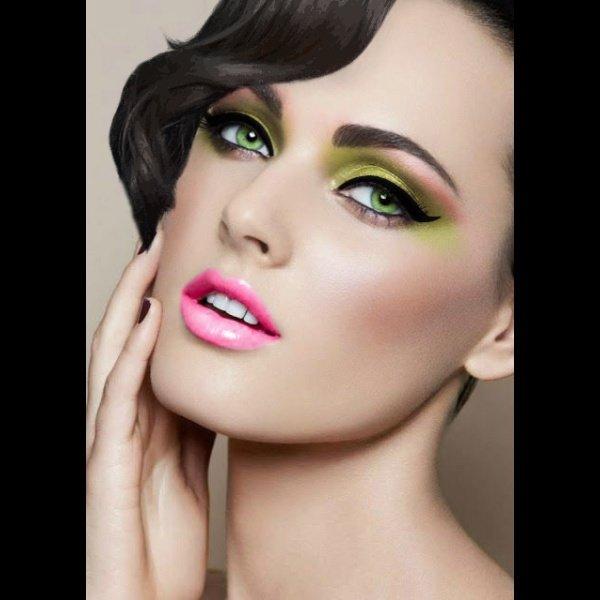 Светоотражающий эффект в макияже