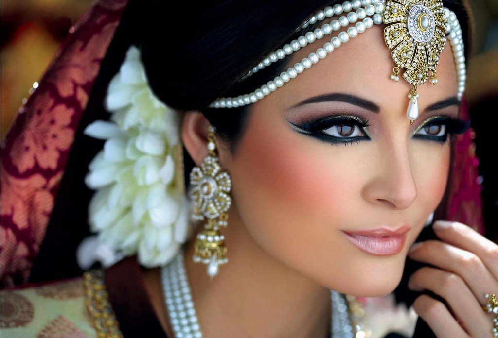 Кому подходит арабский макияж