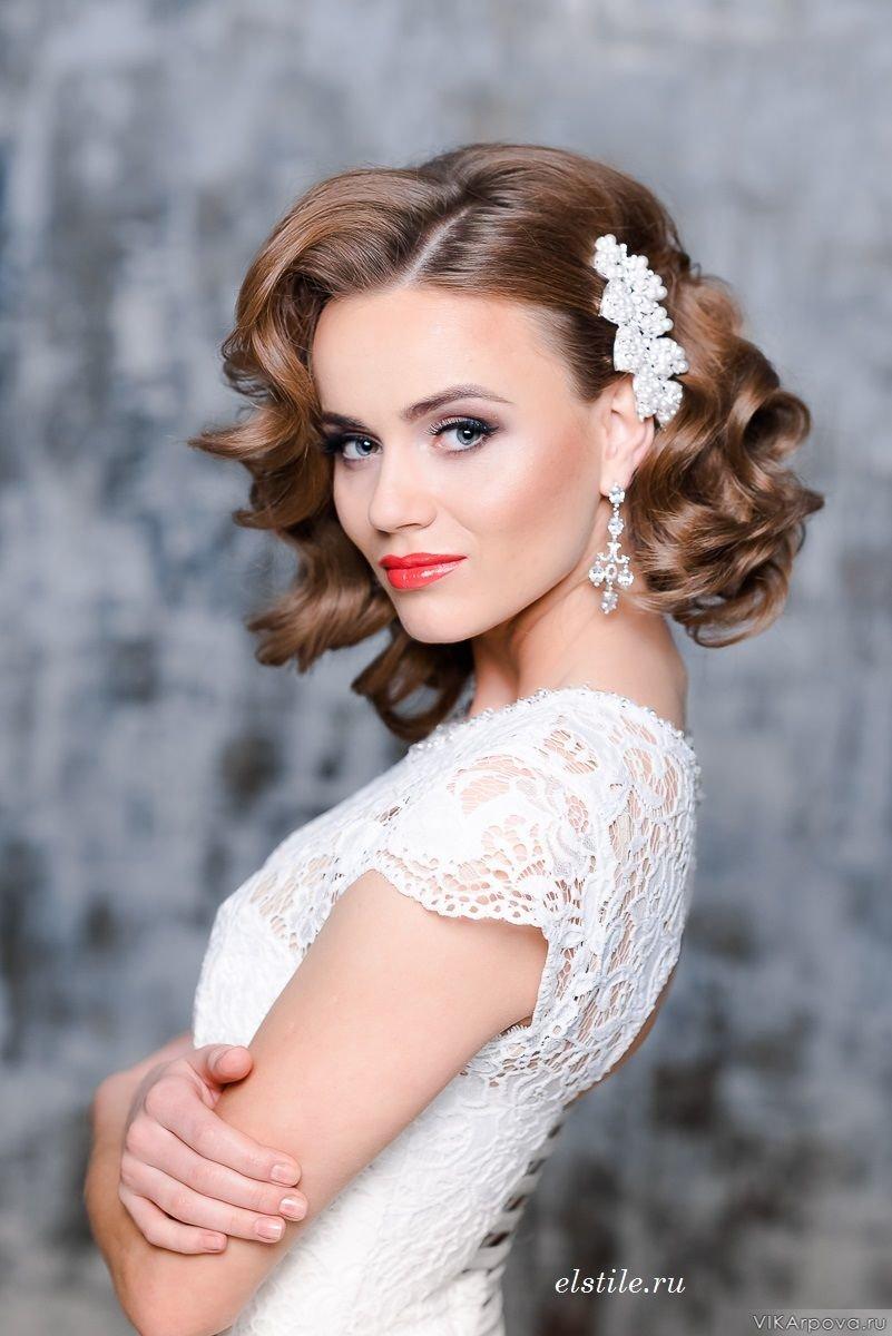 Женские свадебные прически на средние волосы