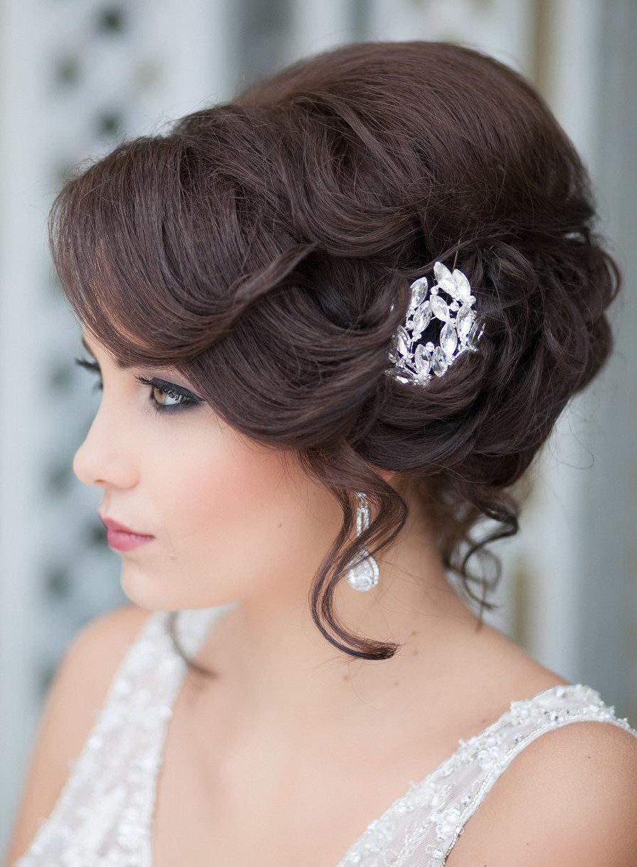 Прически к свадьбе на средние волосы с челкой женские