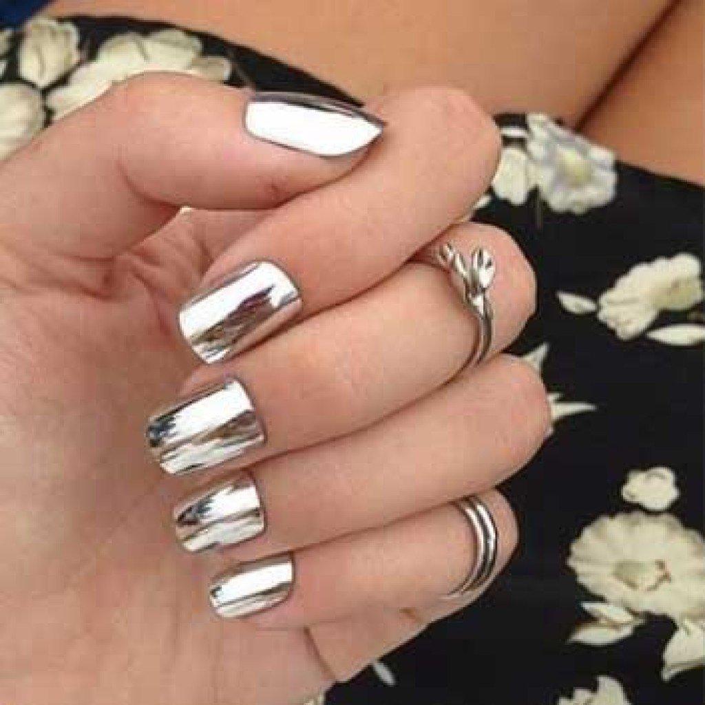 Зеркальный маникюр серебро фото