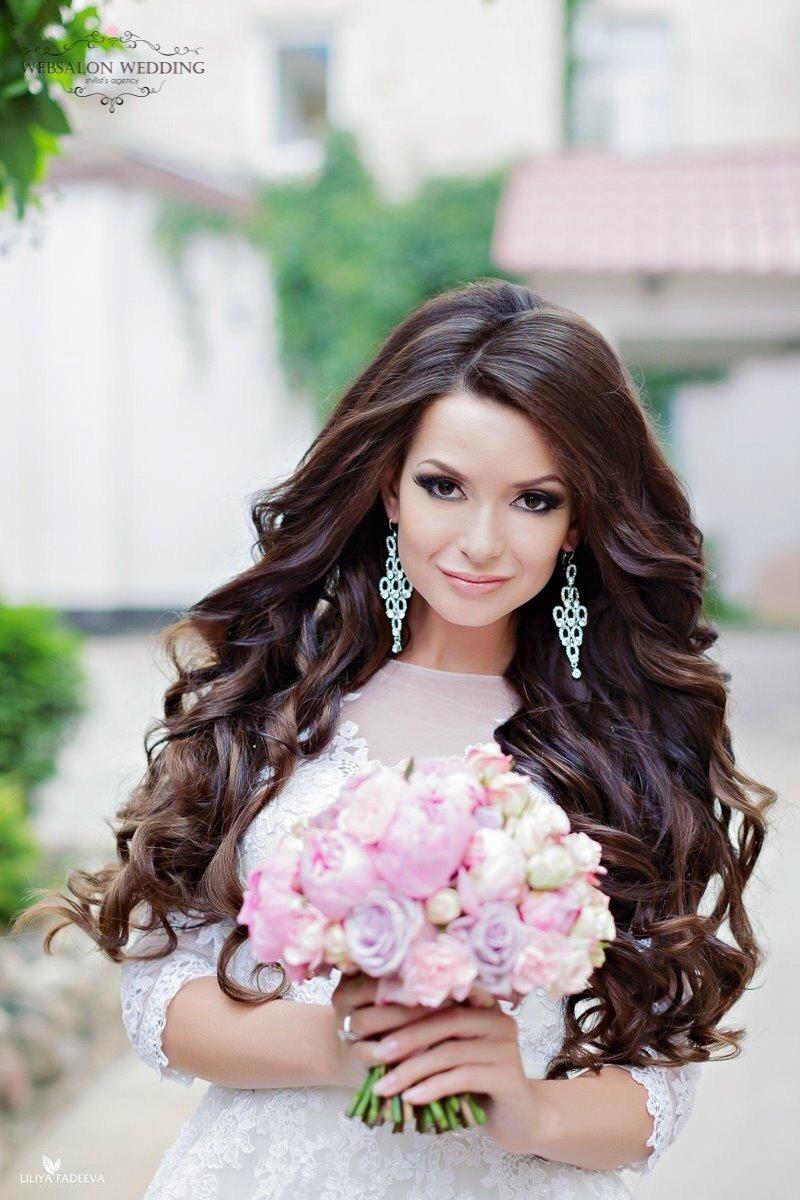 Свадебная прическа длинные волосы распущены и фата