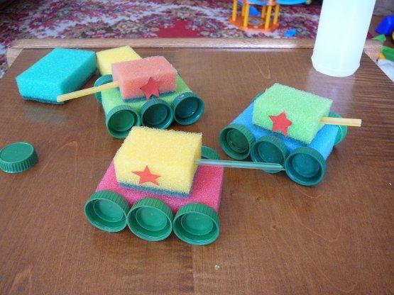 Игрушки из бросового материала своими руками для детей в детский сад 94