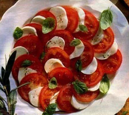 Салат с помидорами и с сыром с фото пошагово в