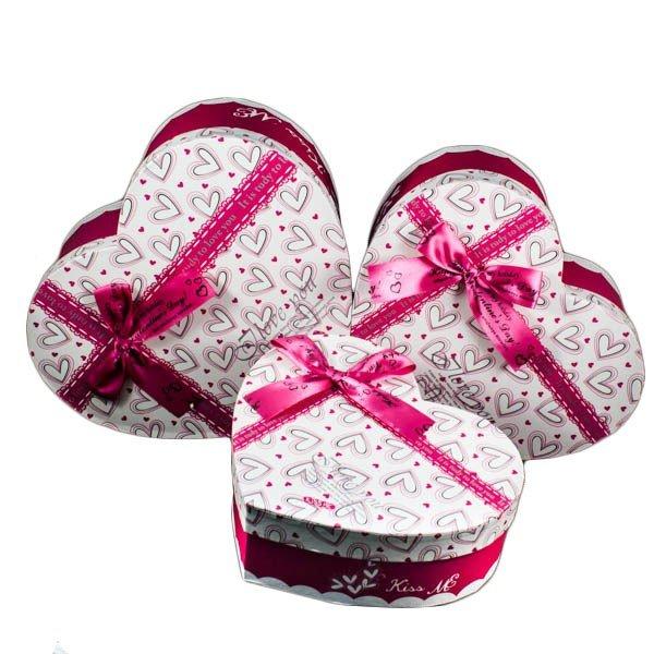 В День Святого Валентина будет весьма актуально подарить своей половинке подарок в коробке в форме сердца. - карточка от пользов