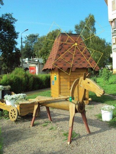 Украсить деревенский двор своими руками