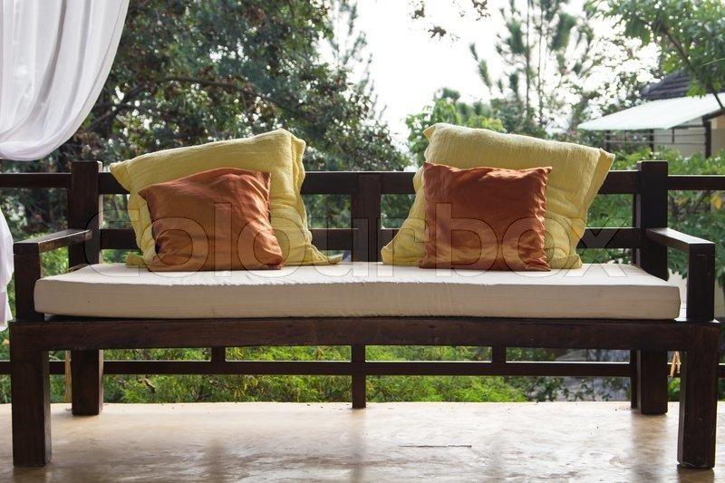 Как сделать мягкое сиденье у скамейки