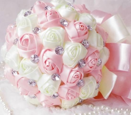 Розы для букета невесты из лент своими руками
