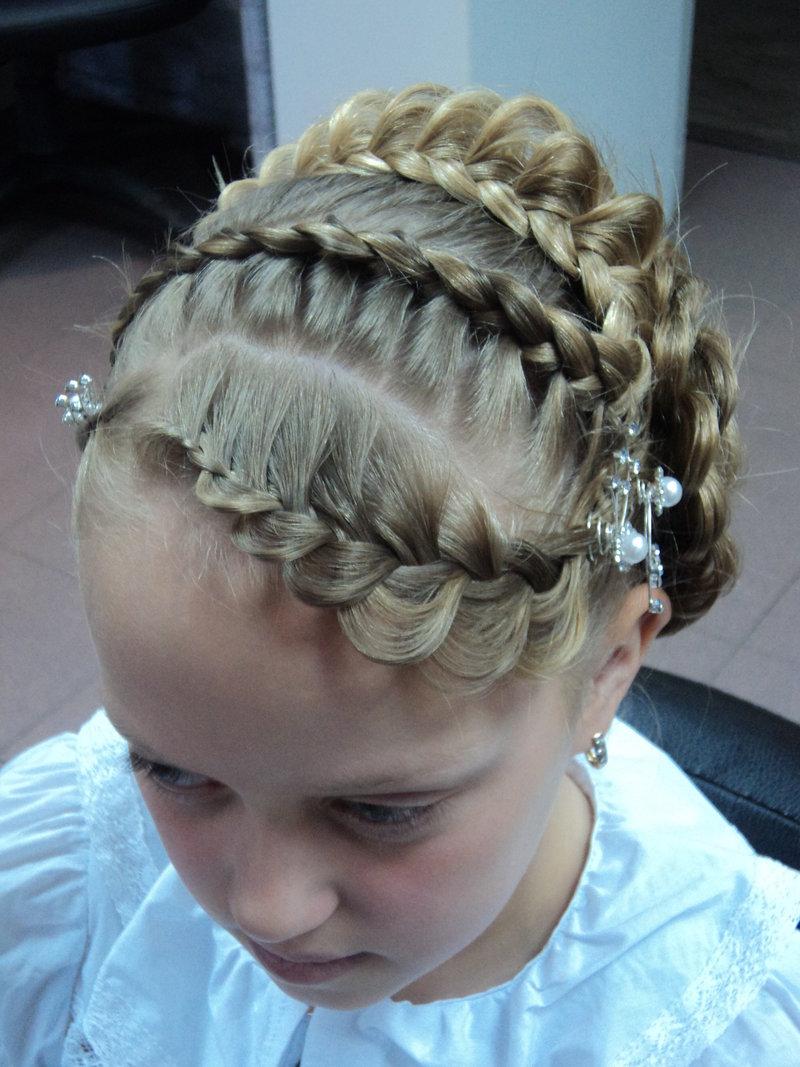Детские причёски из косичек на выпускной