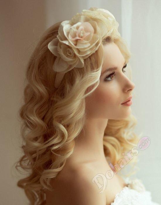 Фото причесок с ободками из цветов