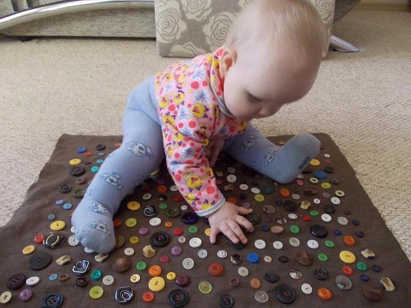 Тактильные игрушки до полугода своими руками