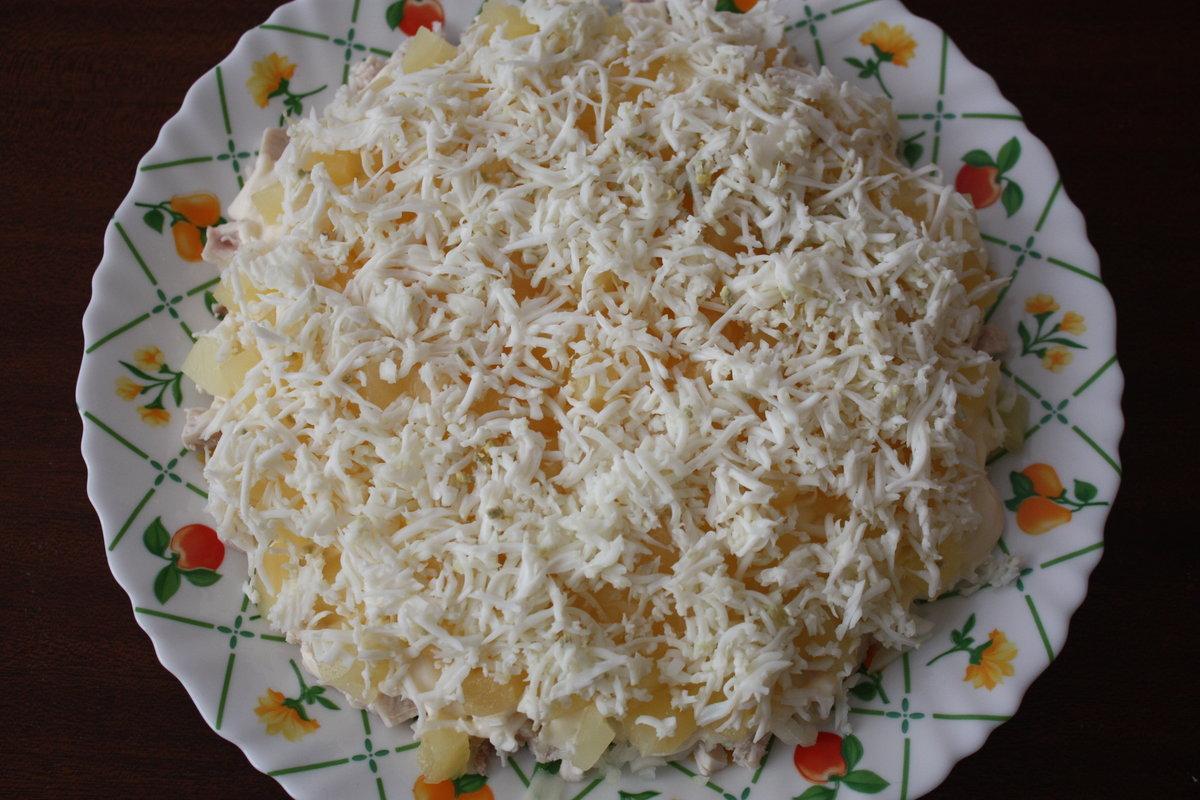Салат с курицей и ананасом и помидорами рецепт пошагово