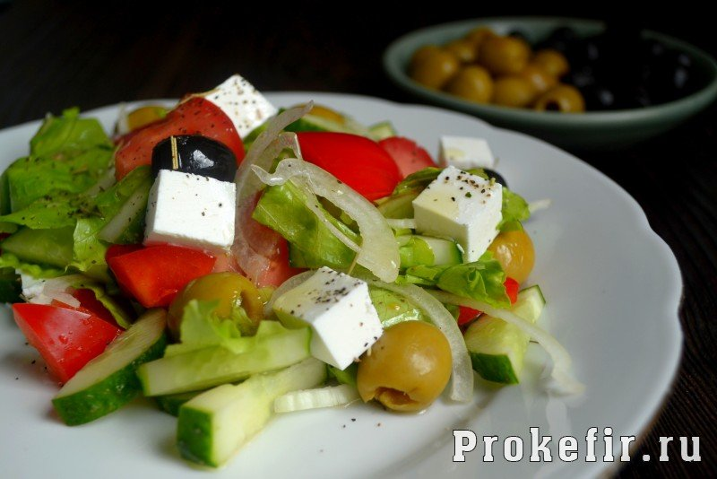 Греческий салат рецепт с фетаксой с фото пошагово
