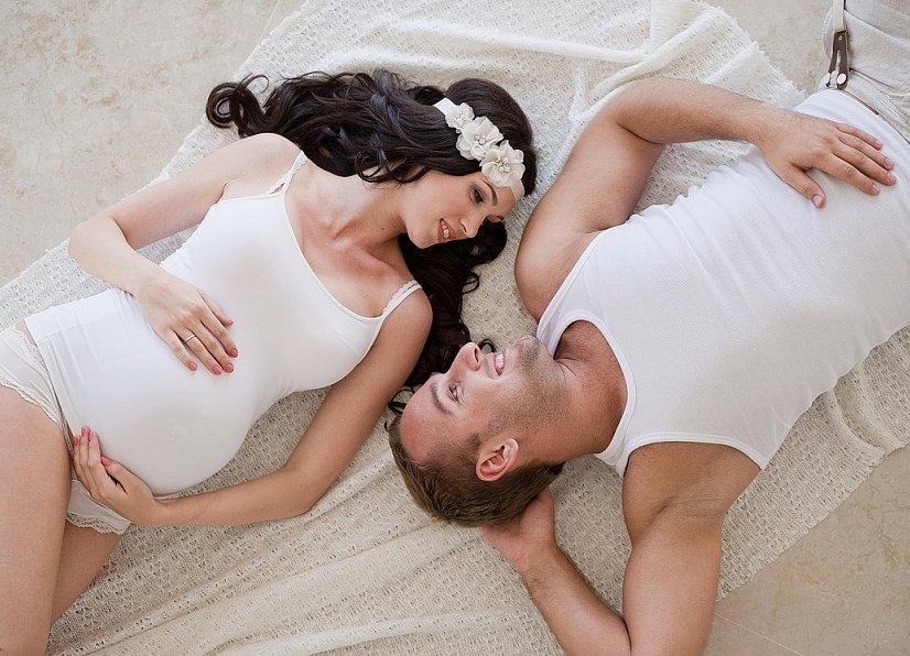 Смотреть порно с беременным групповуха