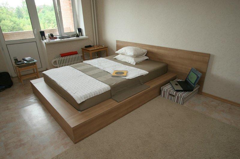 Кровать для спальни своими руками
