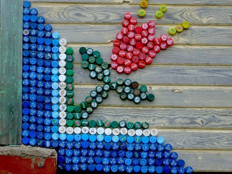 Цветы из пробок от пластиковых бутылок