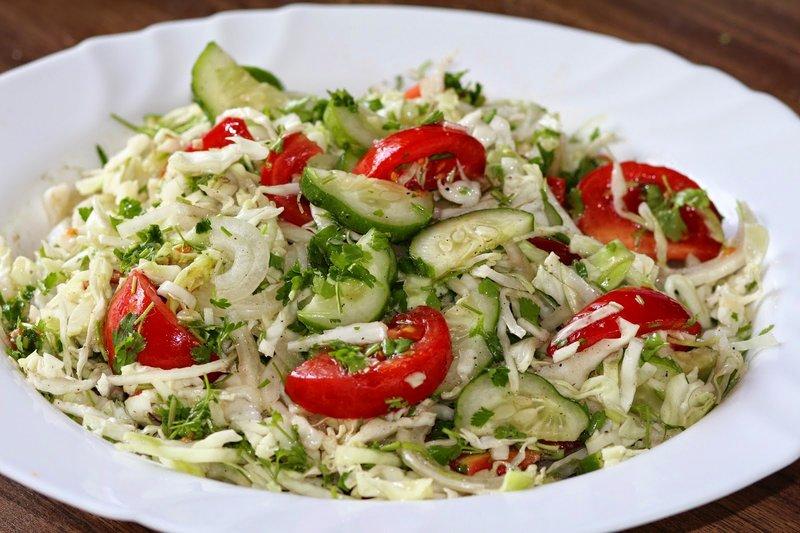 Салат из капусты помидор и огурцов на зиму рецепты