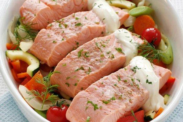 Семга в духовке с овощамиы