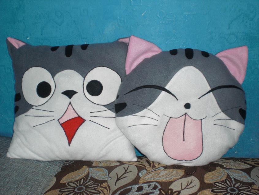 Кот-подушка своими руками из ткани 6