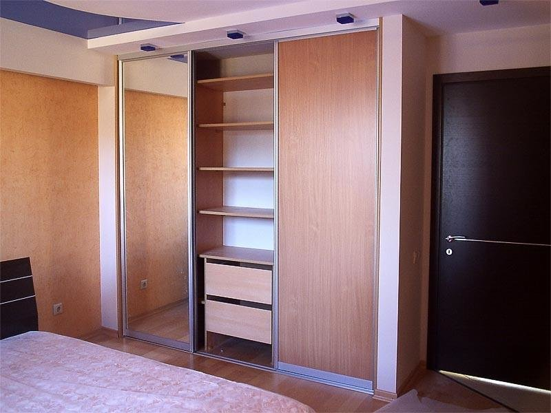 Шкаф в спальне своими руками 58