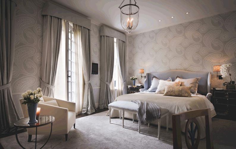 Интерьер спальни в серо-бежевых тонах фото