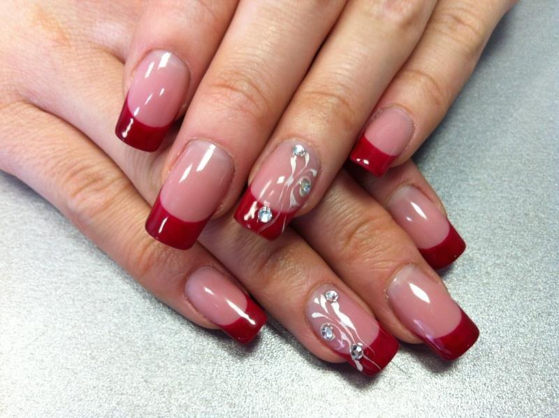 Красные ногти френч с рисунком