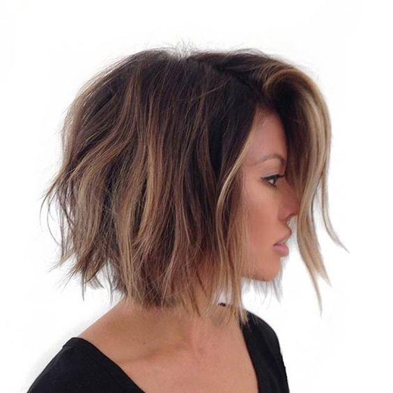 Стрижка на короткие волосы до плеч