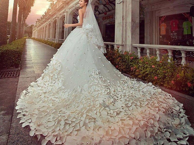 Самые шикарные свадебные платья пышные